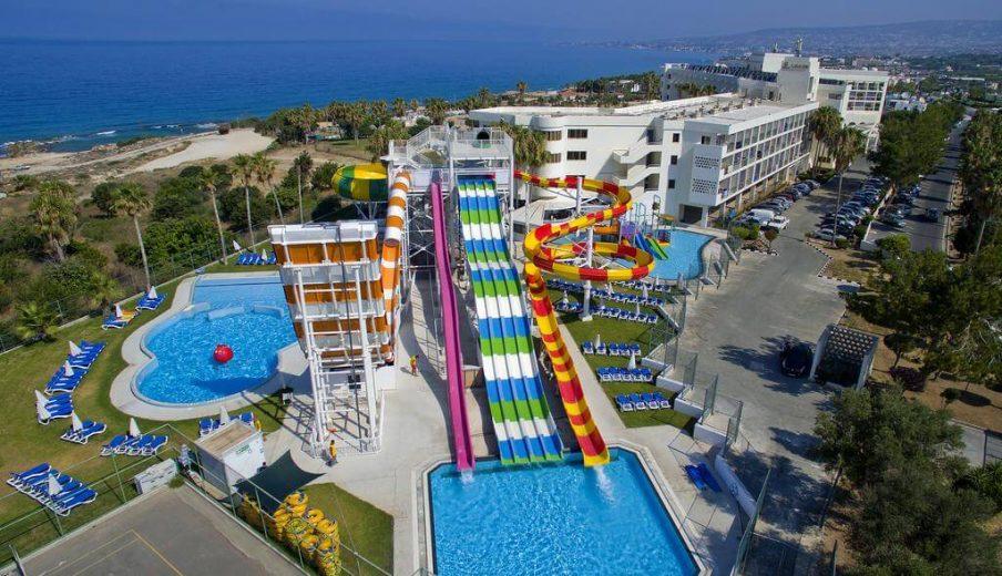 מלון Laura Beach