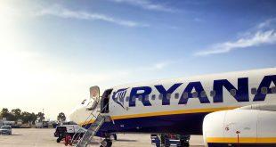 מטוס חברת Ryanair