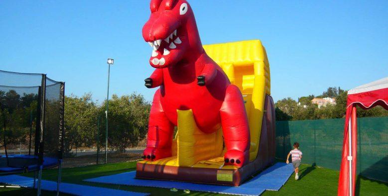 פארק הדינוזאורים בפאפוס