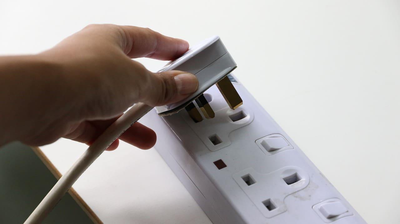 שקע חשמל דגם G